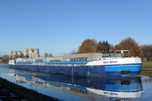 Mer-Blue 2 lagen x 5 x 3 = 30 containers (40-voet=2 TEU)